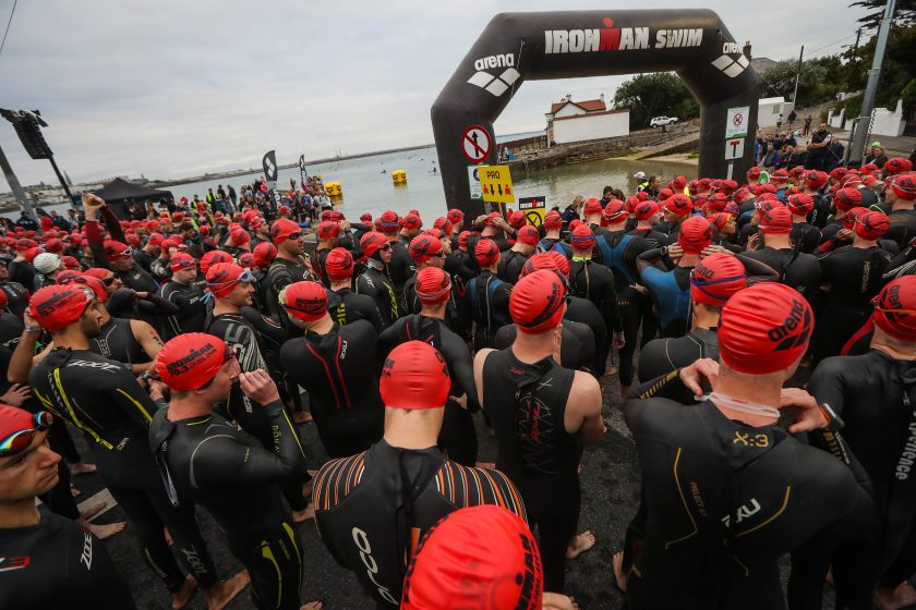 REPRO FREE***PRESS RELEASE NO REPRODUCTION FEE*** Ironman 70.3, Dublin 14/8/2016 Competitors enter ScotsmanÕs Bay in Dœn Laoghaire Mandatory Credit ©INPHO/Ryan Byrne