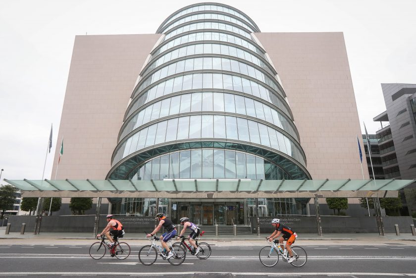 REPRO FREE***PRESS RELEASE NO REPRODUCTION FEE*** Ironman 70.3, Dublin 14/8/2016 Competitors make their way past the Convention Center Mandatory Credit ©INPHO/Ryan Byrne